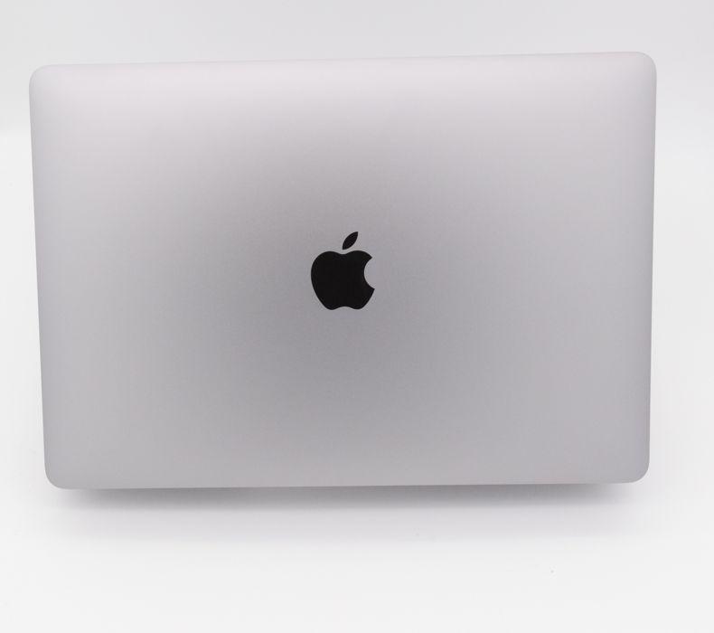 Macbook air Space Gray 8 GB i5 Ram/256 GB SSD  19 % Mwst. Nur 2 Ladezyklen **Wie Neu**